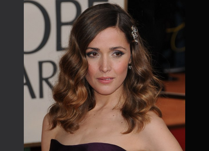 Rose Byrne - Charming long hairstyle with waves