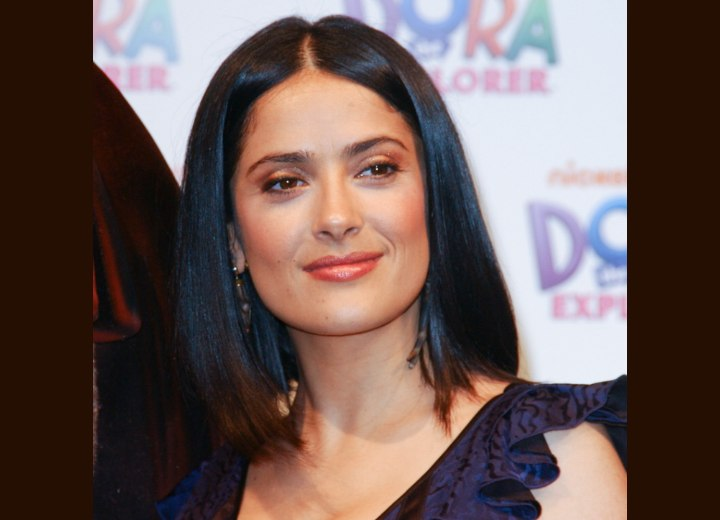 Hairstyle for a square face shape - Salma Hayek