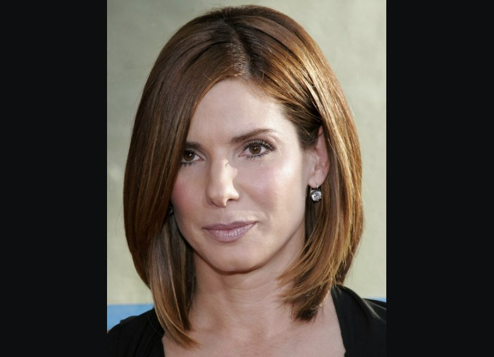 Bob hairstyle with textured ends - Sandra Bullock