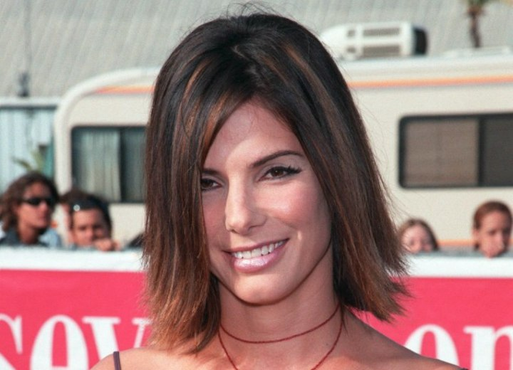 Brown hair with highlights - Sandra Bullock