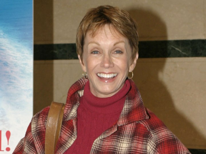 Sandy Duncan - Short hairstyle for older women
