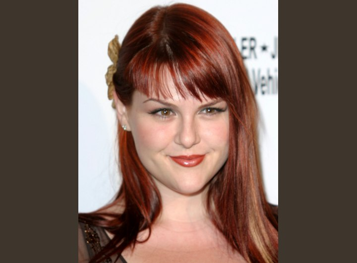 Hairstyle for long sleek hair - Sara Rue