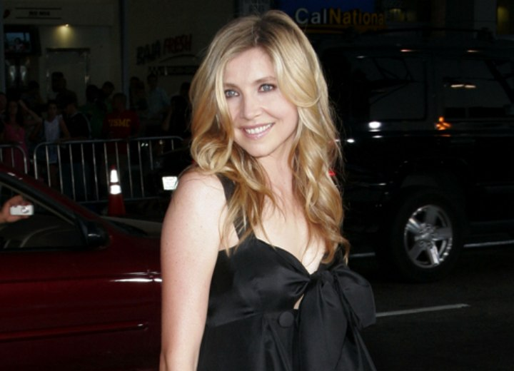 Long hair and dress for a Sarah Chalke look