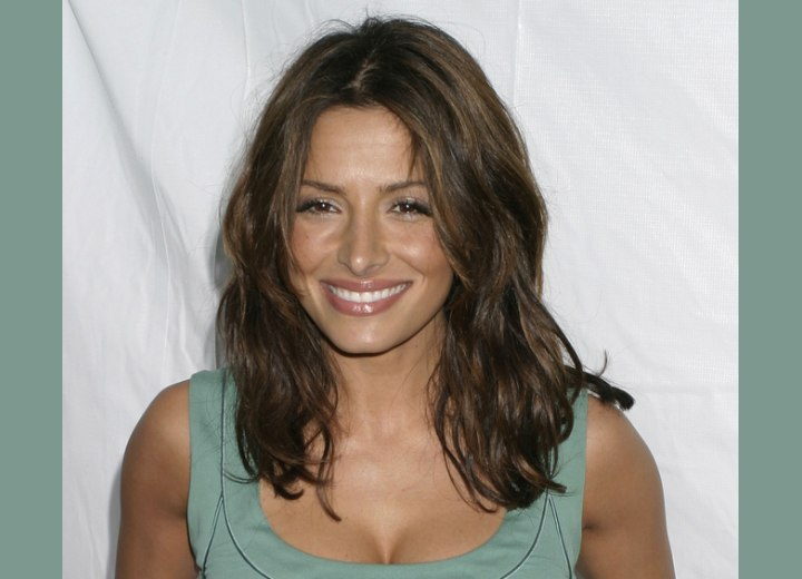 Sarah Shahi - Long hairstyle with movement
