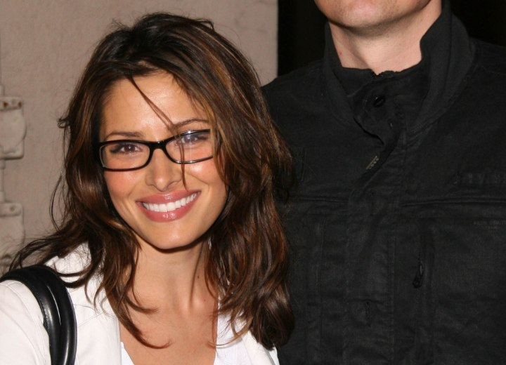 Haircut for glasses - Sarah Shahi