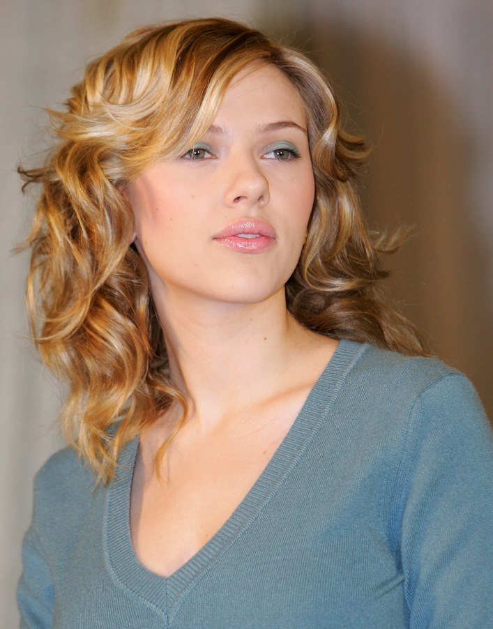 Scarlett Johansson sporting layered hair with peek a boo roots