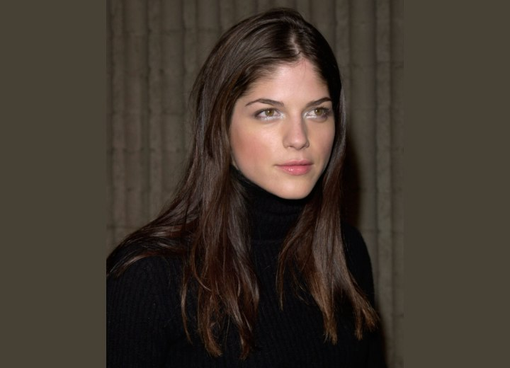 Selma Blair with long and naturally straight hair