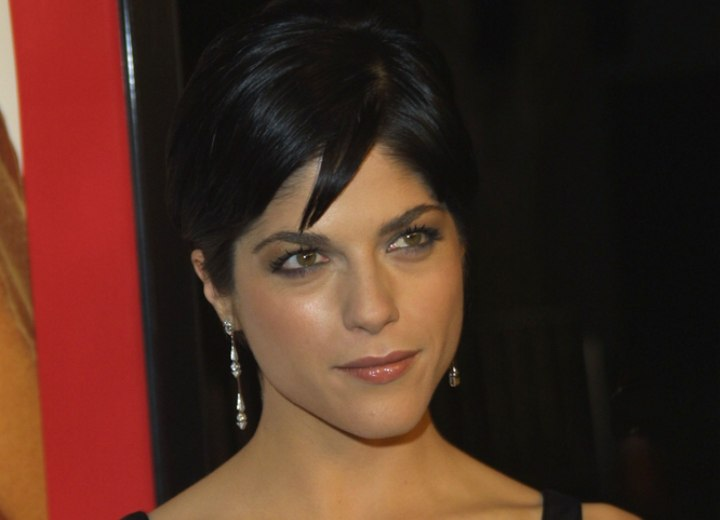 Short hair styled around the ears - Selma Blair