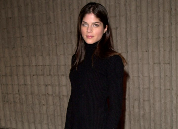 Selma Blair look with a turtleneck and leather pants