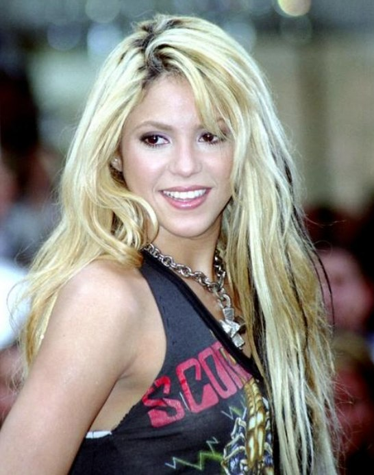 Shakira With Very Long Blonde Hair