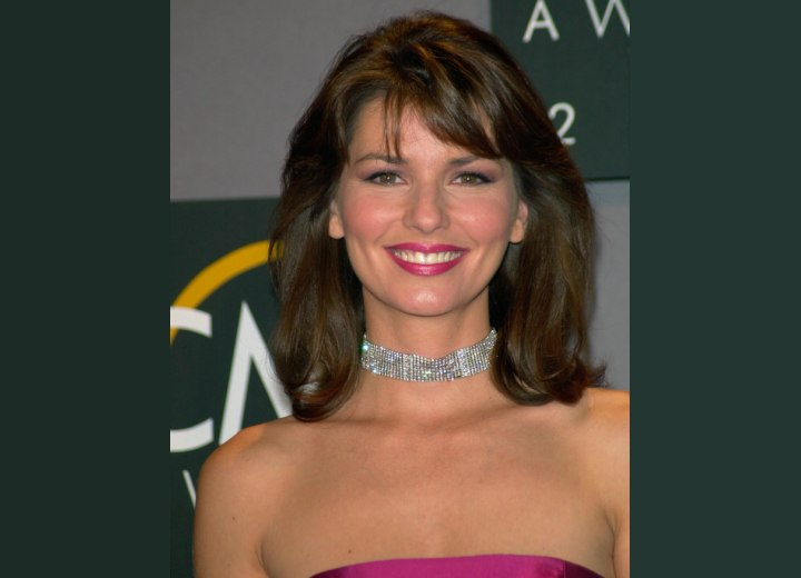 Shania Twain - Shoulder length hairstyle