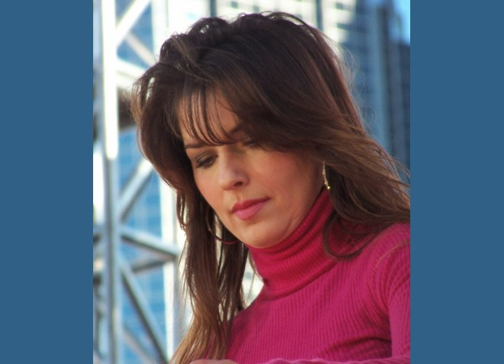 Shania Twain - Hairstyle with long thinned bangs
