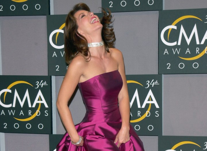 Shania Twain look with medium long hair