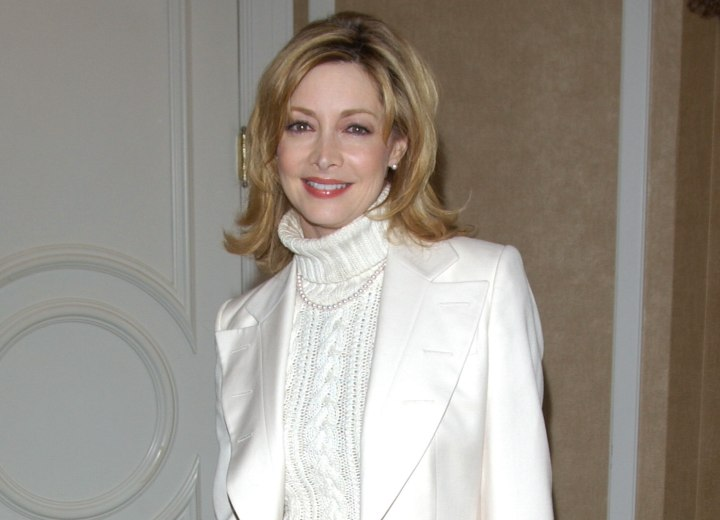 Sharon Lawrence - Hairstyle for older women