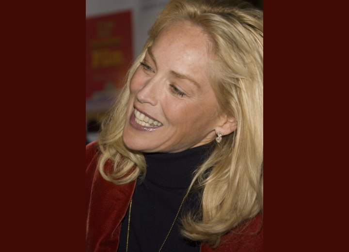 Sharon Stone's hairstyle with curled ends