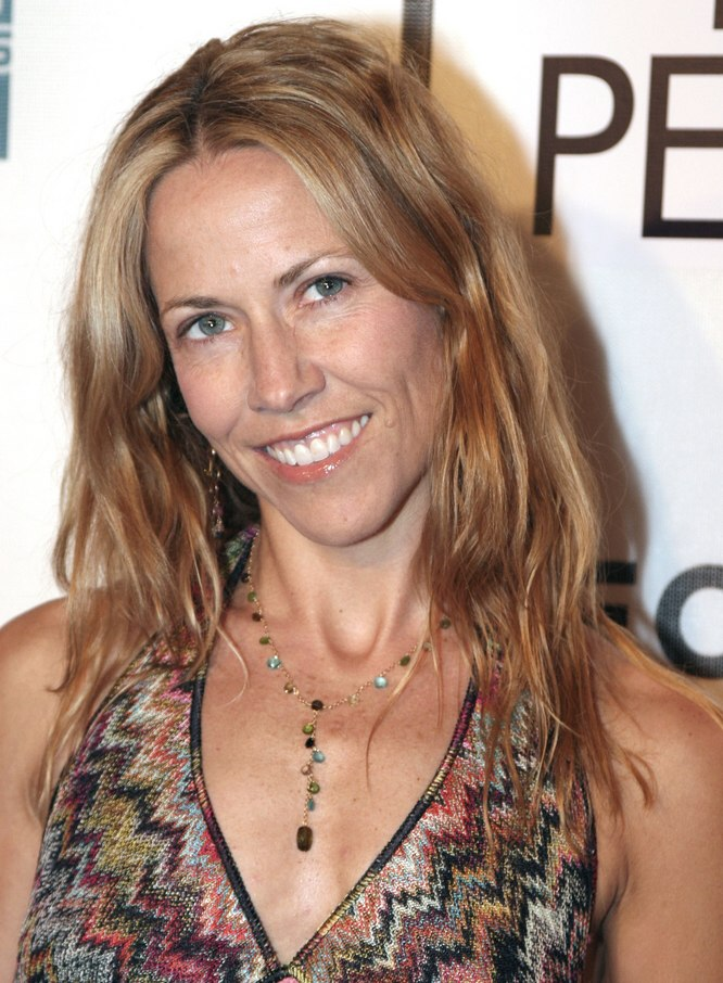 Sheryl Crow Wearing Her Hair Long And Light With Sunny Highlights