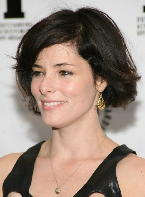 Parker Posey S Short Bob Haircut With Flipping Out And Waving