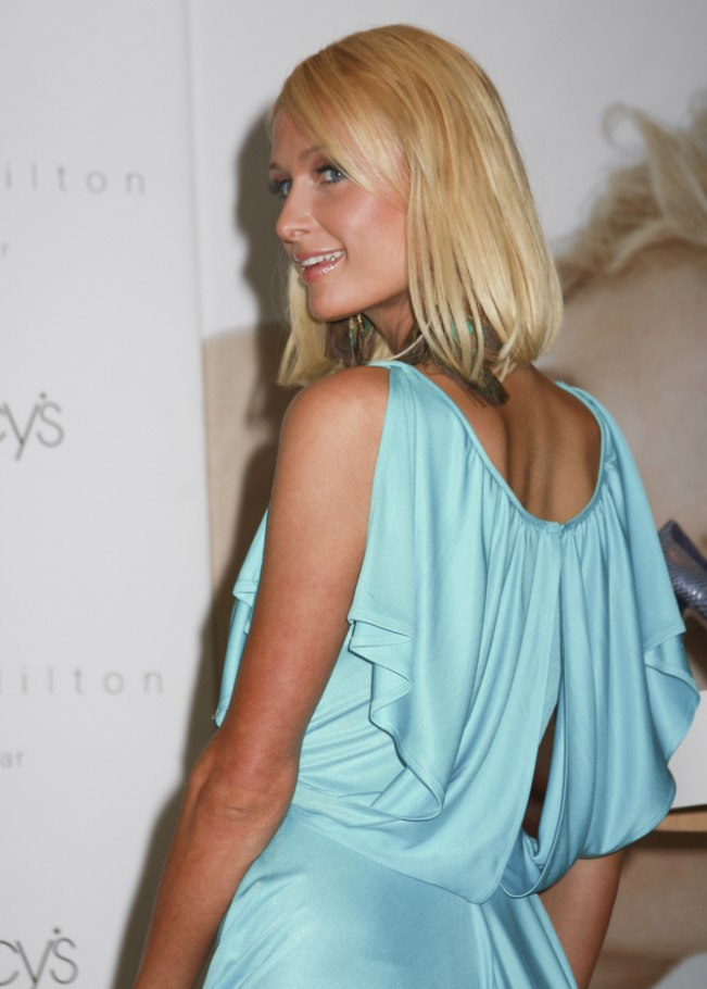 paris hilton wearing an almost shoulder length bob with an