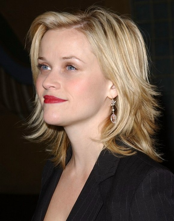 Pleasing Reese Witherspoon Sporting A Choppy Haircut With Ends That Flip Out Short Hairstyles For Black Women Fulllsitofus