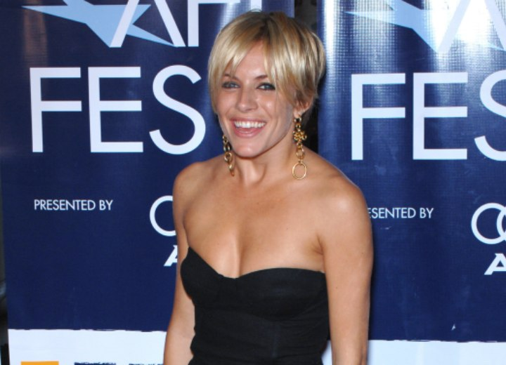Sienna Miller look with short hair and a strapless top