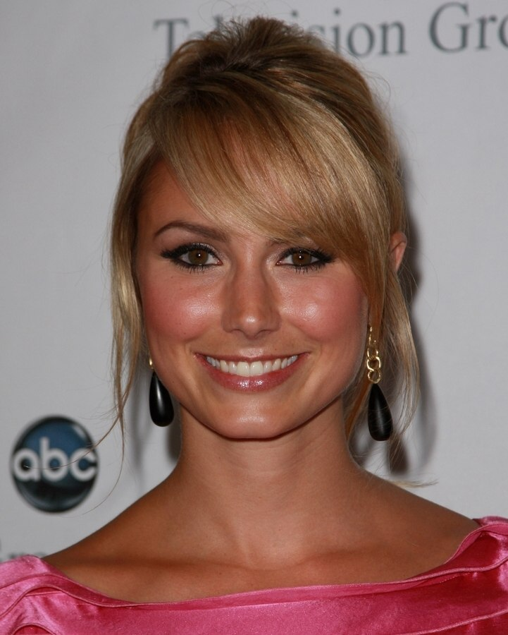 Stacy Keibler S Festive And Girlish Chignon And How To Do It