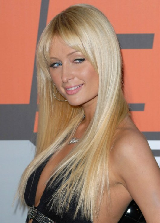 Paris hilton wearing her hair smooth with extensions paris hilton wearing her hair very long and straightened pmusecretfo Gallery
