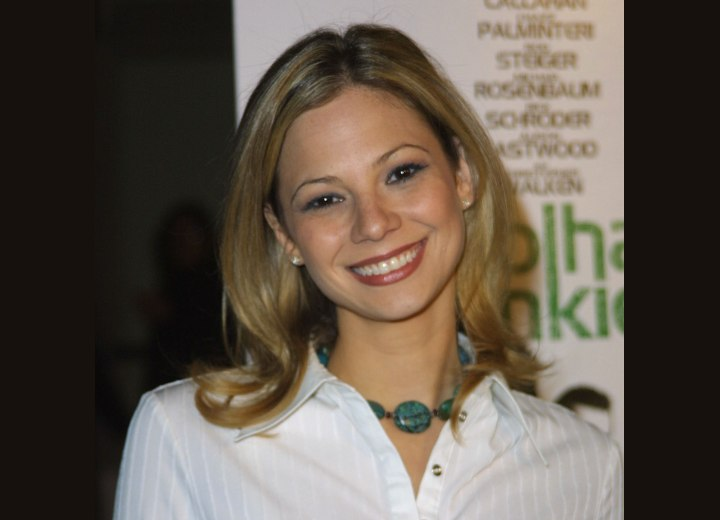 Cheerleader or college type hairstyle - Tamara Braun