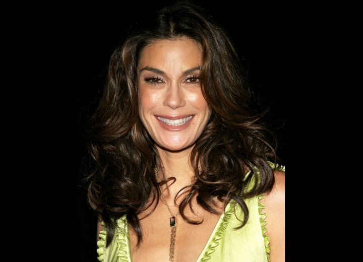 Long hairstyle for 40 plus women - Teri Hatcher