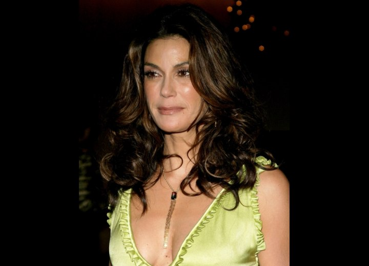 Long hairstyle with bounce - Teri Hatcher