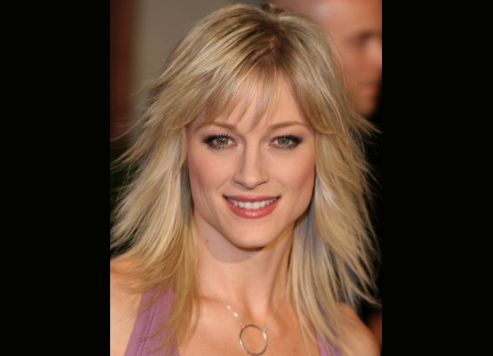 Long haircut with thinned bangs - Teri Polo