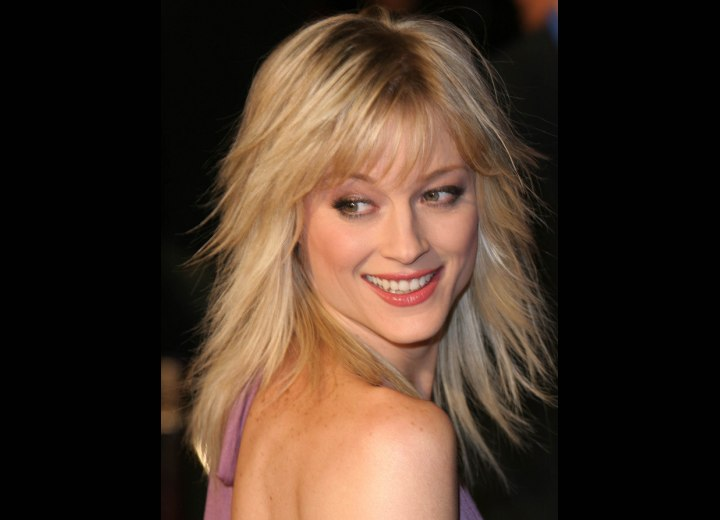 Long hairstyle with deep layers - Teri Polo