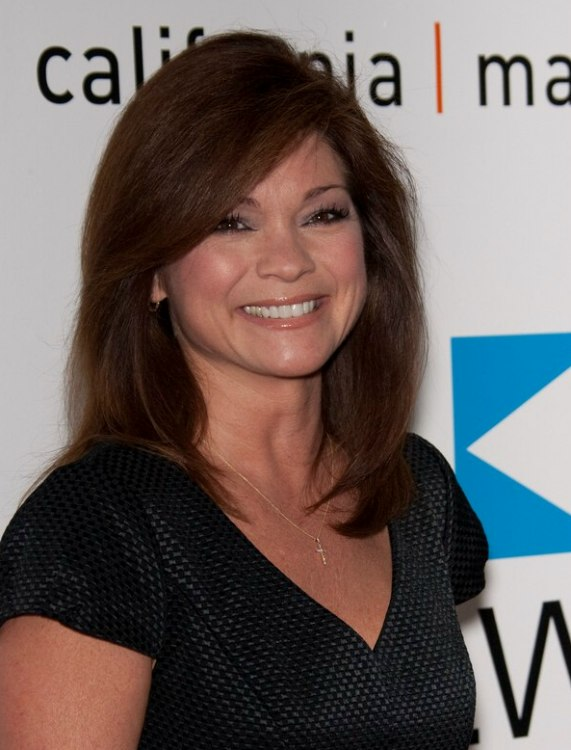 Valerie Bertinelli S Hair With Large Round Lines And