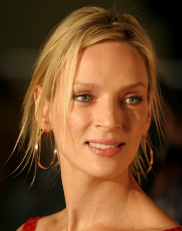 Uma Thurman Modern Romantic Up Style With A Bun