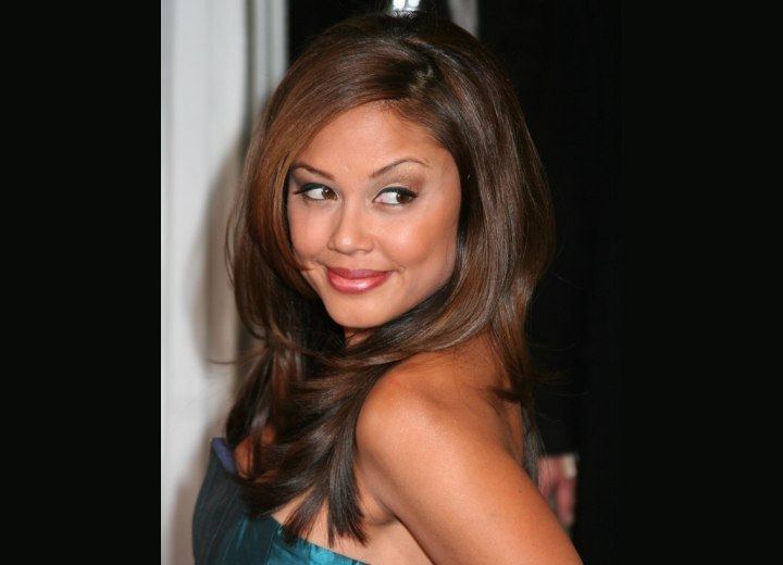 Hairstyle for an exotic look - Vanessa Minnillo