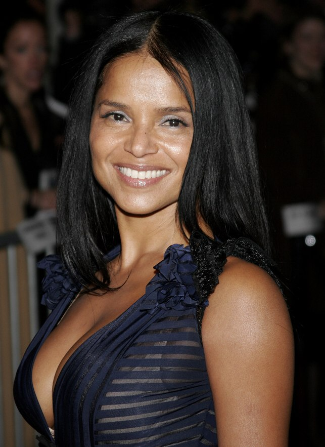 Victoria Rowell Long and straight black hair with layers - Easy Hairstyles For Straight Hair