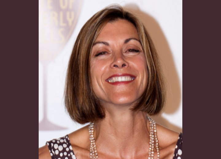 Mid neck length hairstyle - Wendie Malick