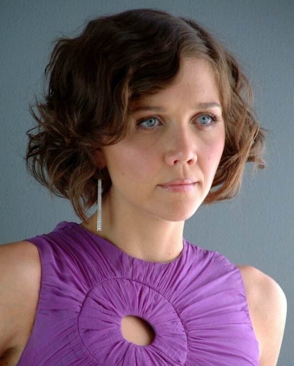 Maggie Gyllenhaal S Short 1920s Hairstyle With Finger Waves