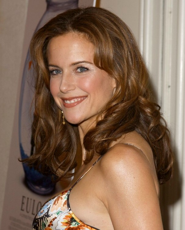 40 plus kelly preston wearing her hair long in a timeless. Black Bedroom Furniture Sets. Home Design Ideas