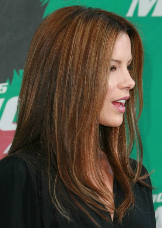 Kate Beckinsaleu0027s Warm Auburn Hair With Blonde Highlights ...