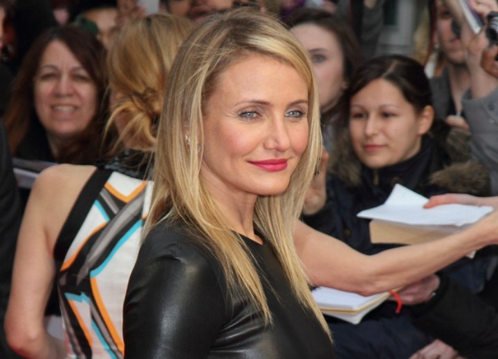 Long laid back hairstyle - Cameron Diaz