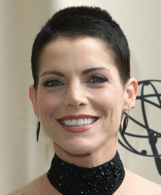 Lesli Kay with clipper cut or buzzed hair - Hairstyle Men