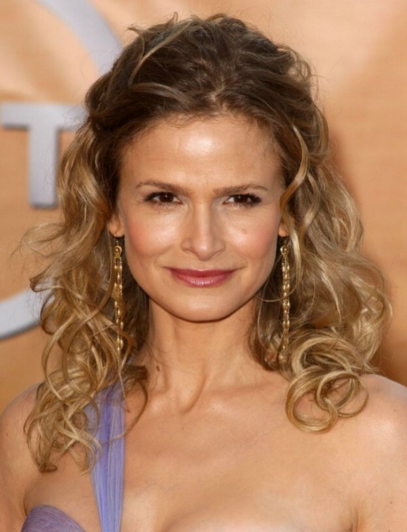 Kyra Sedgwick With Long Romantic Curled Hair