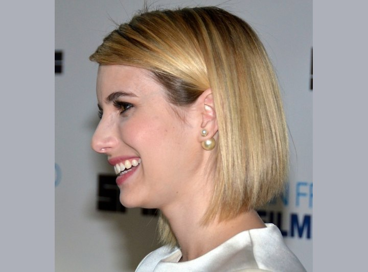 Side view of Emma Roberts bob haircut