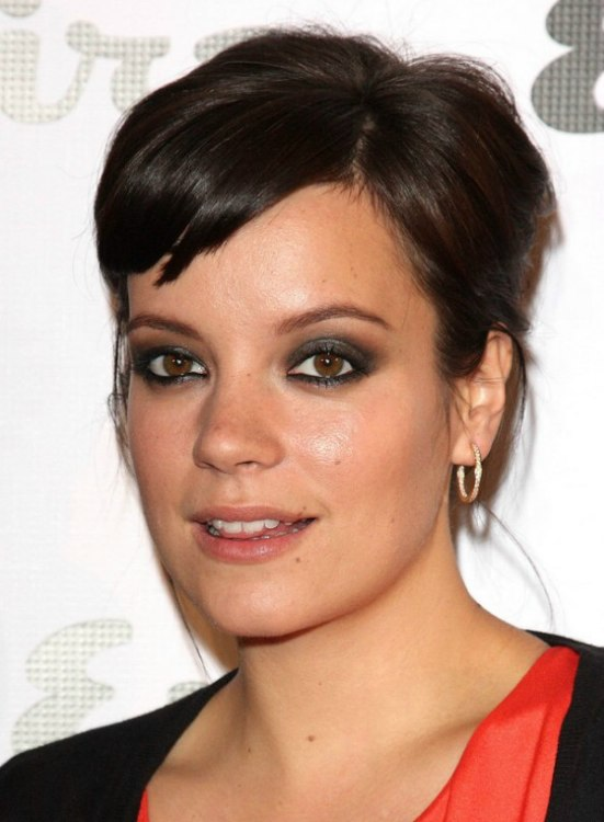 Lily Allen S Hair Styling To Create The Illusion Of Having
