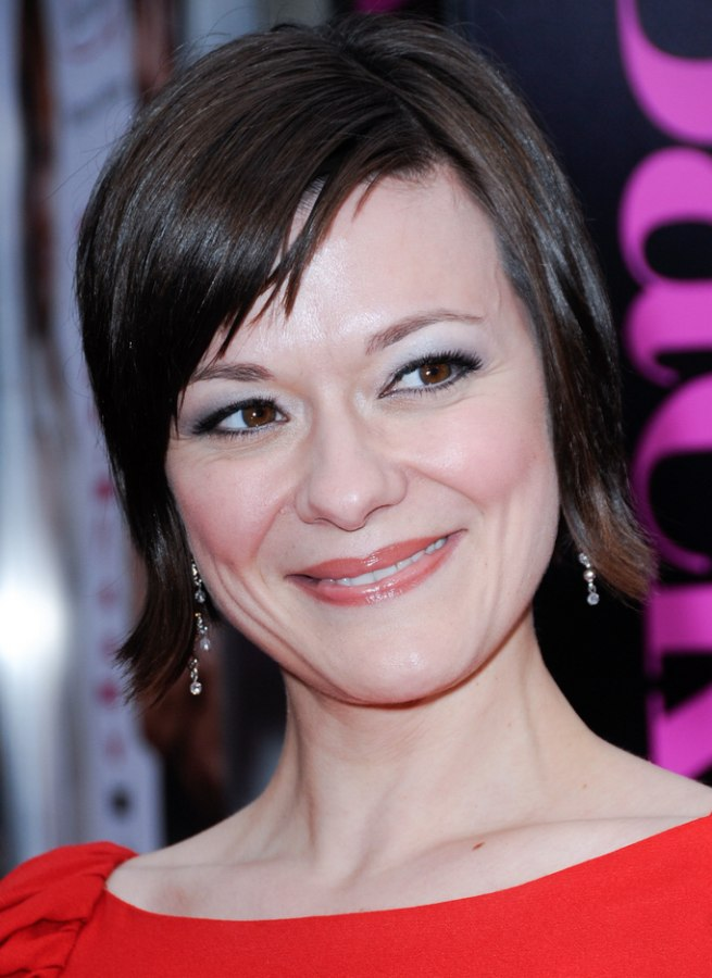 Maribeth Monroe S Easy To Style Short Hair That Covers