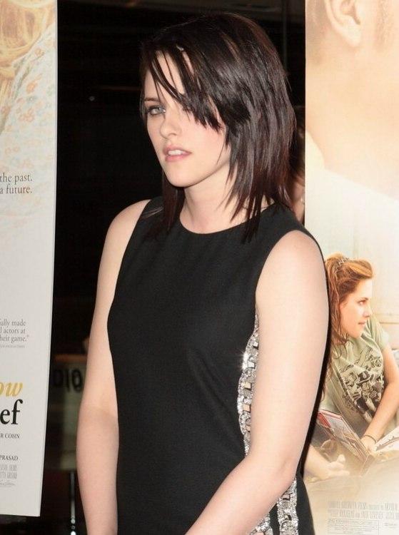 Kristen Stewart S Hair In A Choppy Layered Wet Look