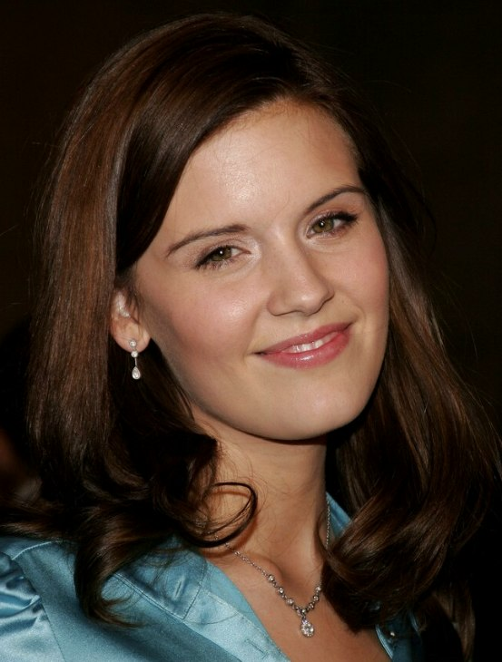 Maggie Grace Sporting A Long Hairstyle And Wearing A Blue