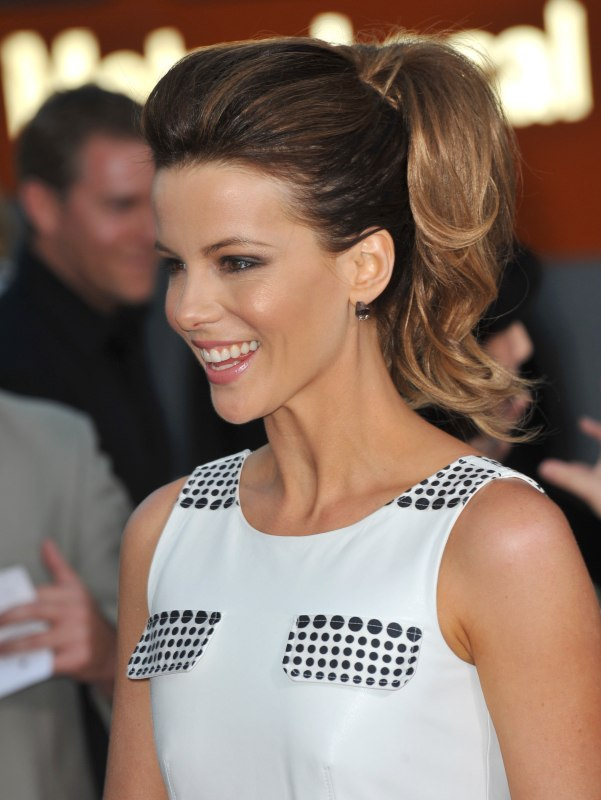 Kate Beckinsale Wearing Her Hair In A High Ponytail