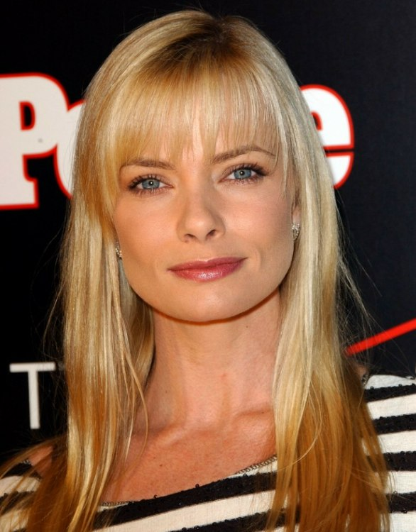Jaime Pressly With Long Hair And Hair Color With Darker Slices