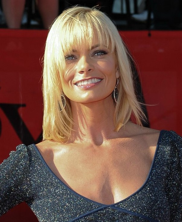 Jaime Pressly S Medium Length Hairstyle For A Square Jaw